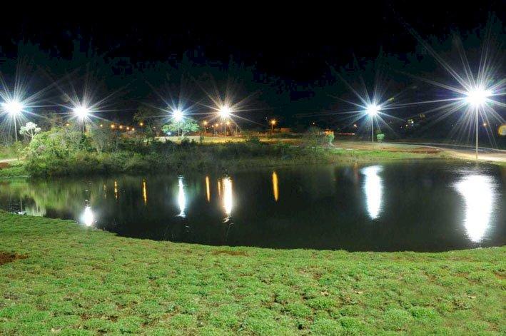 Parque Ecológico das Brisas recebe instalação de luminárias