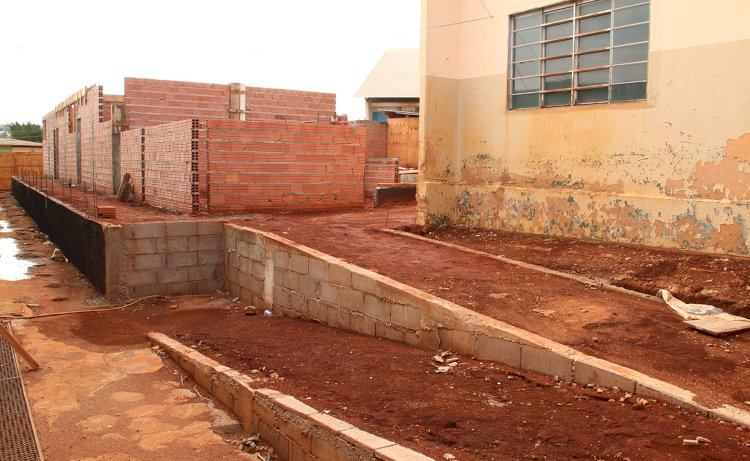 Escola Municipal Auta de Souza passa por reforma e ampliação